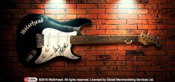 signerad gitarr